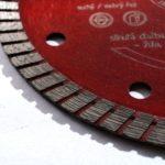 detail segmentu kotouče na slinutou dlažbu