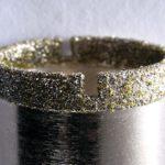detail diamantové korunky na vrtání dlažby