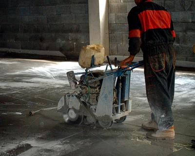 řezač spár - řezání betonu