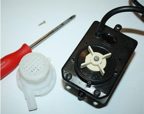kontrola lopatek čerpadla pro stolové pily